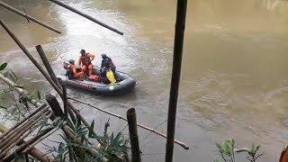 Seorang Wanita Diduga Hanyut di Kali Ciliwung, Basarnas dan Petugas Damkar Maksimalkan Pencarian