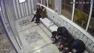 Школьники громят остановку в Талдыкоргане