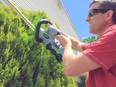 EGO CORDLESS HEDGE TRIMMER – 56 volts – Demo and Review