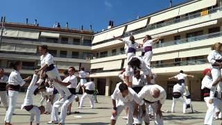 preview picture of video 'Falcons de Capellades - acrobatic human towers from Penedès, Catalonia'