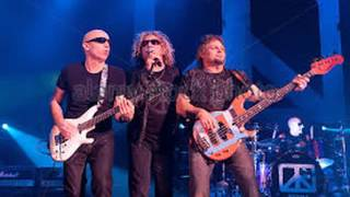 CHICKENFOOT .  LEARNING TO FALL . I LOVE MUSIC . SARC65