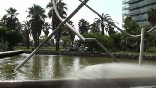 preview picture of video 'Parc de Diagonal Mar (Barcelona)'