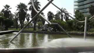preview picture of video 'Parc de Diagonal Mar (Barcelona)'