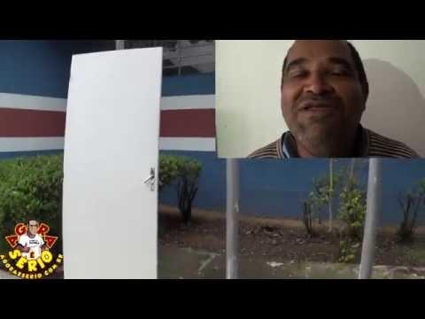 Repórter Favela encontra a Porta dos Desesperados na Prefeitura de Juquitiba