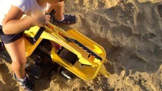 Koparka chodzik jeździk dla dzieci + przyczepa + kask Constructor Falk 110A