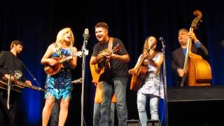 Rhonda Vincent & The Rage, Alena Schernstein Vítová, Barbecue