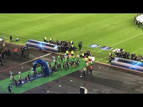 "Napoli-PSG: urlo ""The Champions"" da paura видео"
