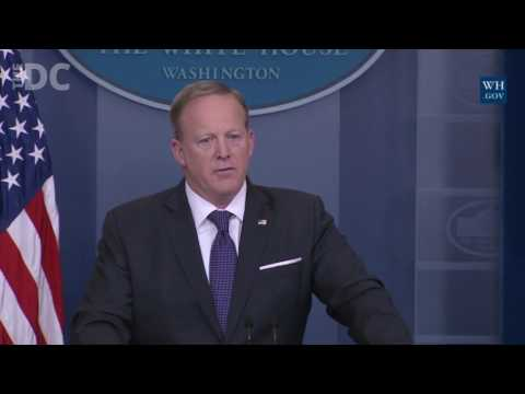 Sean Spicer Gets into it with Reporters Over Fake News