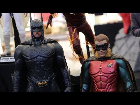 First Look ! Hot Toys -1/6th Scale Batman Forever(1995) Batman (Val Kilmer). Robin