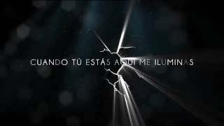 Flashlight (spanish version) - Kevin Karla & La Banda (Lyric Video).mp4