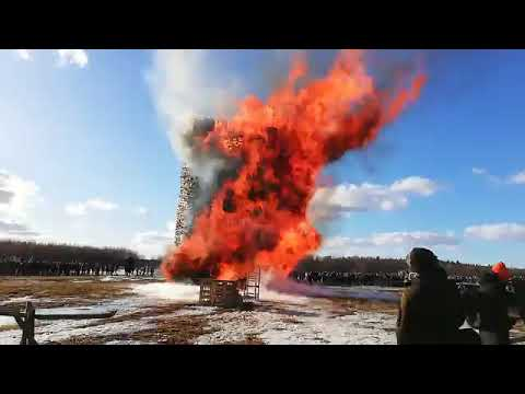 Wooden tower burned at Maslenitsa festival in Russia