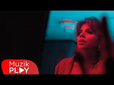 Melis Kar - Kadın (Official Video) Sözleri