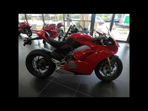 2018 Ducati Panigale V4 S in West Allis, Wisconsin - Video 1