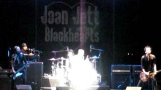 JOAN JETT & THE BLACKHEARTS @ CONEY ISLAND BROOKLYN NYC 14 JULY 2011
