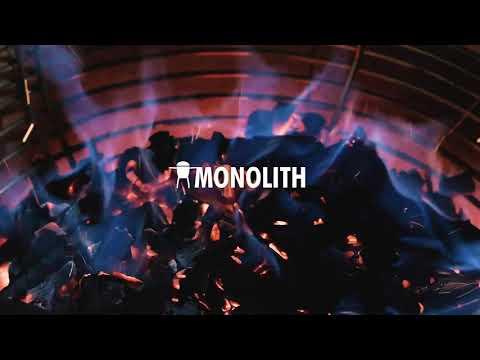 Керамічний гриль Monolith CLASSIC 46 см чорний PRO-SERIES 1.0 на сталевих ніжках Video #1