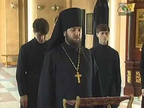 Утренние молитвы читают православные священники