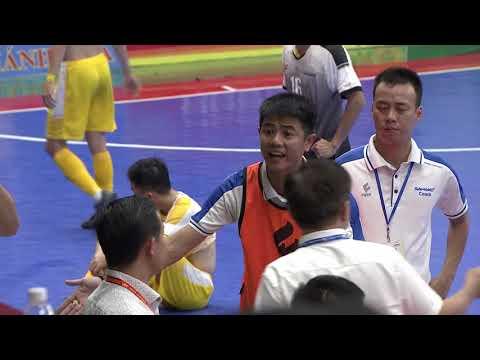 Chiếc thẻ đỏ của HLV Nguyễn Tuấn Anh (Sahako FC)