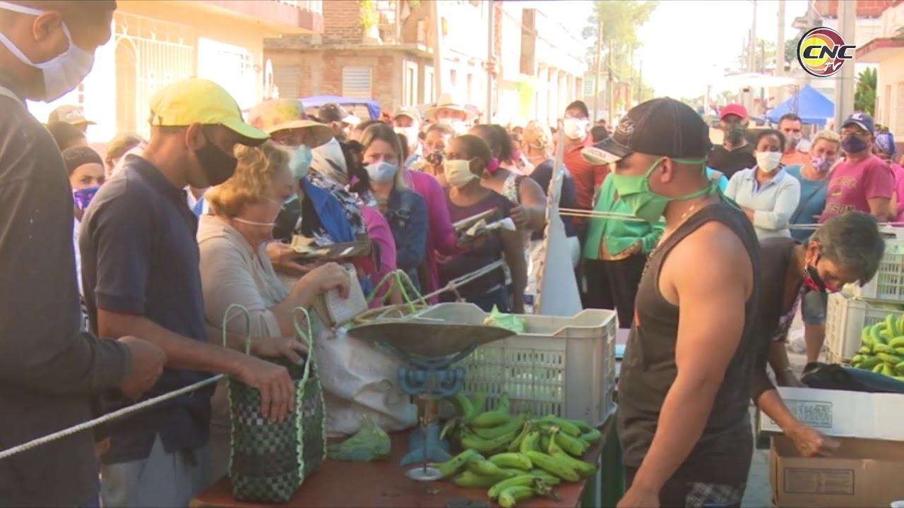 Realizan venta de alimentos en Granma en saludo al aniversario 62 del Triunfo de la Revolución