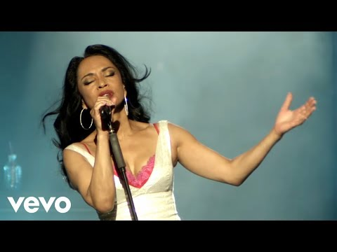 Sade - No Ordinary Love (Official Live 2011)