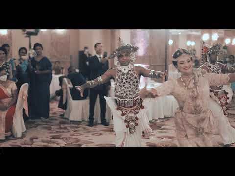පියාගේ ඇසට කඳුලක් එන්න අපේ රටේ මනාලියක් මංගල දිනයේදී කරපු SURPRISE WEDDING DANCE එක