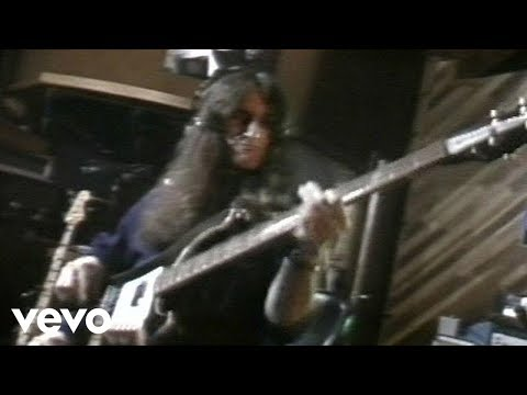 Rush - Tom Sawyer online metal music video by RUSH
