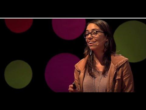 Desarrolladoras: una oportunidad de desarrollo | Mariana Costa | TEDxTukuy