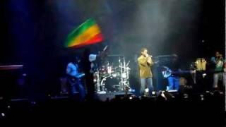 Damian Marley - Where is the love? Lima - 9 de Noviembre del 2011 - Maria Angola (1/2)