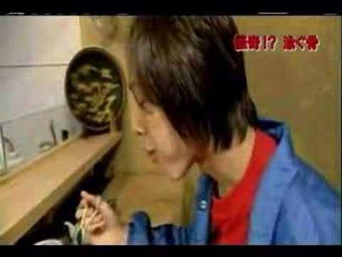日本終極壽司可怕食法! 魚只剩一半還在游水...你敢邊看邊吃嗎?