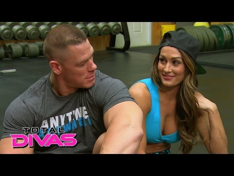 Nikki Bella and John Cena set up a friendly bet while at the gym: Total Divas, January 18, 2015