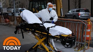 President Trump warned that even with strict social distancing, hundreds of thousands of Americans could die from the coronavirus. Meanwhile, overworked New York health workers continue to battle the pandemic, even as Chris Cuomo, brother of Gov. Andrew Cuomo, reveals that he has tested positive. See all the top TODAY news in one video. » Subscribe to TODAY: http://on.today.com/SubscribeToTODAY » Watch the latest from TODAY: http://bit.ly/LatestTODAY  About: TODAY brings you the latest headlines and expert tips on money, health and parenting. We wake up every morning to give you and your family all you need to start your day. If it matters to you, it matters to us. We are in the people business. Subscribe to our channel for exclusive TODAY archival footage & our original web series.    Connect with TODAY Online! Visit TODAY's Website: http://on.today.com/ReadTODAY Find TODAY on Facebook: http://on.today.com/LikeTODAY Follow TODAY on Twitter: http://on.today.com/FollowTODAY Follow TODAY on Instagram: http://on.today.com/InstaTODAY Follow TODAY on Pinterest: http://on.today.com/PinTODAY  #Coronavirus #COVID19 #TodayShow #CoronavirusDeaths  As Many As 240,000 Americans Could Die From Coronavirus, President Trump Warns | TODAY