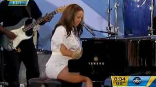 "Alicia Keys - ""Empire State of Mind"" Live @ Good Morning  America  2010"