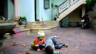 preview picture of video 'Quan khanh tet 2010 (Di nau-Thach That-Ha Noi)'