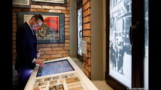 Mateusz Morawiecki podczas wizyty w Muzeum Powstań Śląskich w Świętochłowicach