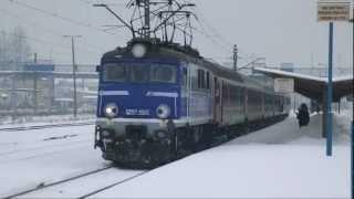 preview picture of video 'TLK San odjeżdża ze stacji Skarżysko-Kamienna'