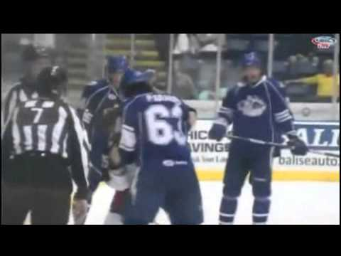 Philippe Paradis vs Cody Bass