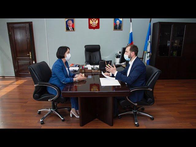 Меры поддержки бизнеса обсудили спикер ЗС Александр Ведерников и руководитель УФНС Татьяна Шафран