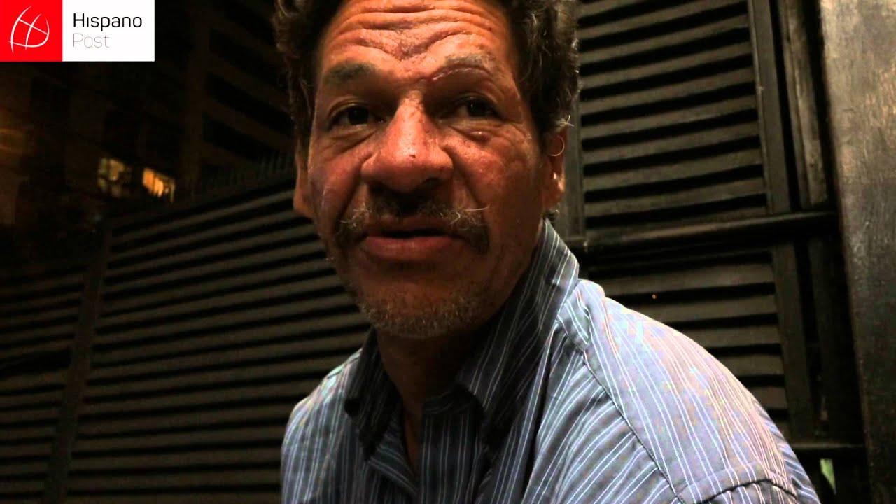 Así sobrevive un indigente en Caracas