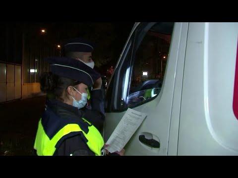 Paris police step up patrols to limit lockdown violators
