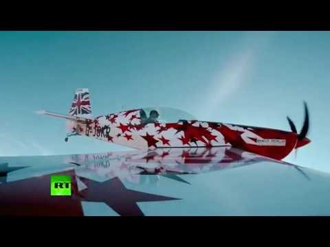 Breathtaking! Solo aerobatic stunts at China airshow