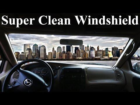 Πως να καθαρίσετε τέλεια τα τζάμια του αυτοκινήτου σας από μέσα