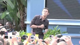 "Scotty McCreery sings ""I Love You This Big"" at Disney World American Idol"