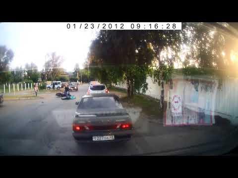 Мотоциклист сбил женщину возле областного ГИБДД в Кирове