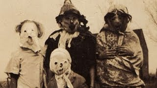 check out some more vintage halloween creepiness - Halloween Costumes 1900