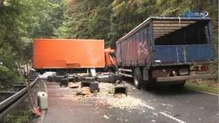 preview picture of video 'Zusammenstoß zweier LKW nahe Eibenstock (Sachsen) 24.09.2009'