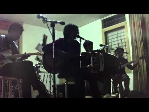 sind3ntosca Live at Rumah Buku 6 Juli 2008