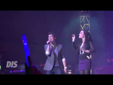 "Joe Jonas & Demi Lovato Perform ""This Is Me"" Live At Epcot In Walt Disney World Mp3"
