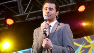 Darius Campbell singing Come Fly With Me at Mercedes Benz World