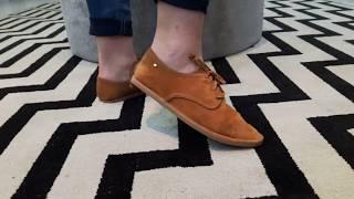 Vídeo Sapato em Couro Camurça Parô  Cor Orquídea