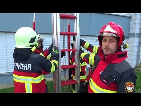 Feuerwehr Eggenwil Schiebeleiter mit Stützen