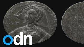 Anne Boleyn portrait: Henry VIII's wife's face identified by modern technology?
